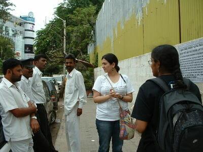 Jasmeen and Naksha exchange views with cab drivers