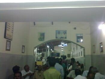 entrance of vidyarthi bhavan