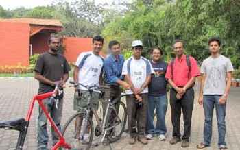 Dr Venki with Bengaluru cyclists.