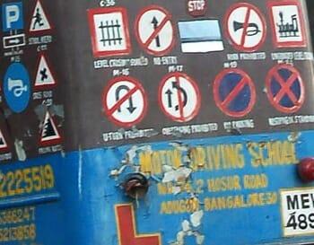 signage on auto