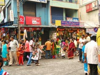 people at a Bengaluru market