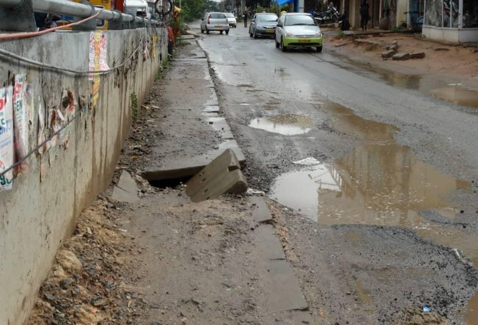 Bangalore roads and footpaths unwalkable, dangerous, peestrians