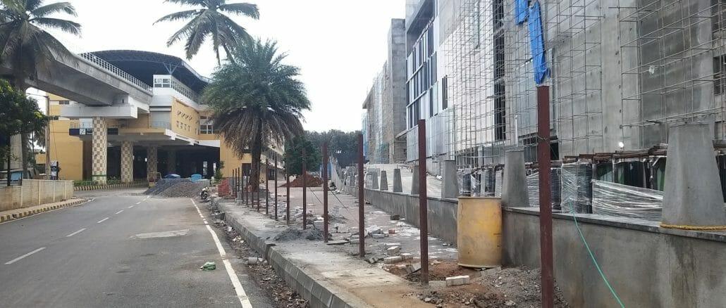 Parking lot coming up near Konankunte Cross Metro station