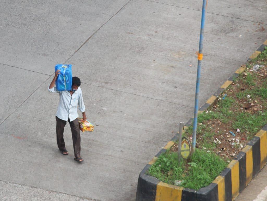 delivering mangoes