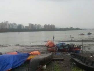 Boats near Belapur Fort