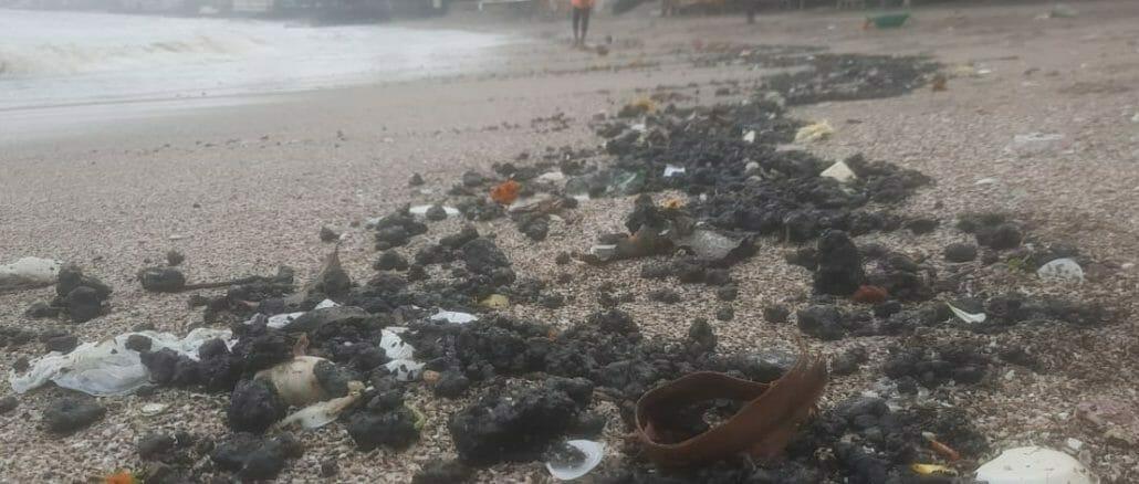 Tar deposits on Dadar Beach