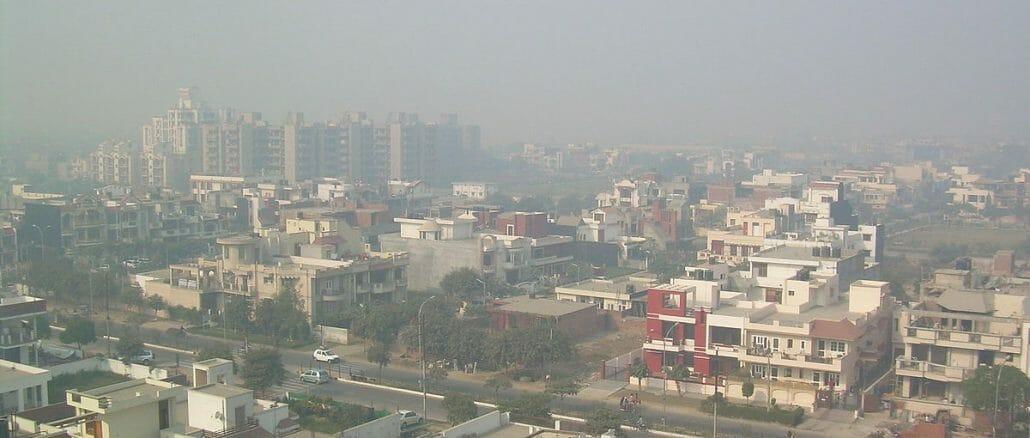 A smoggy Delhi neighbourhood