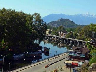 Srinagar deserted waterway promenade