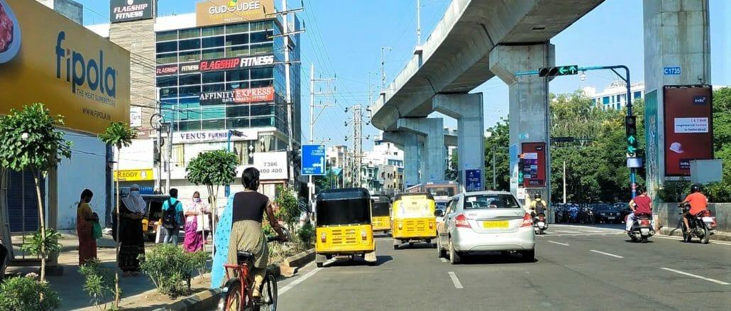Lone cyclist on Hyderabad roads